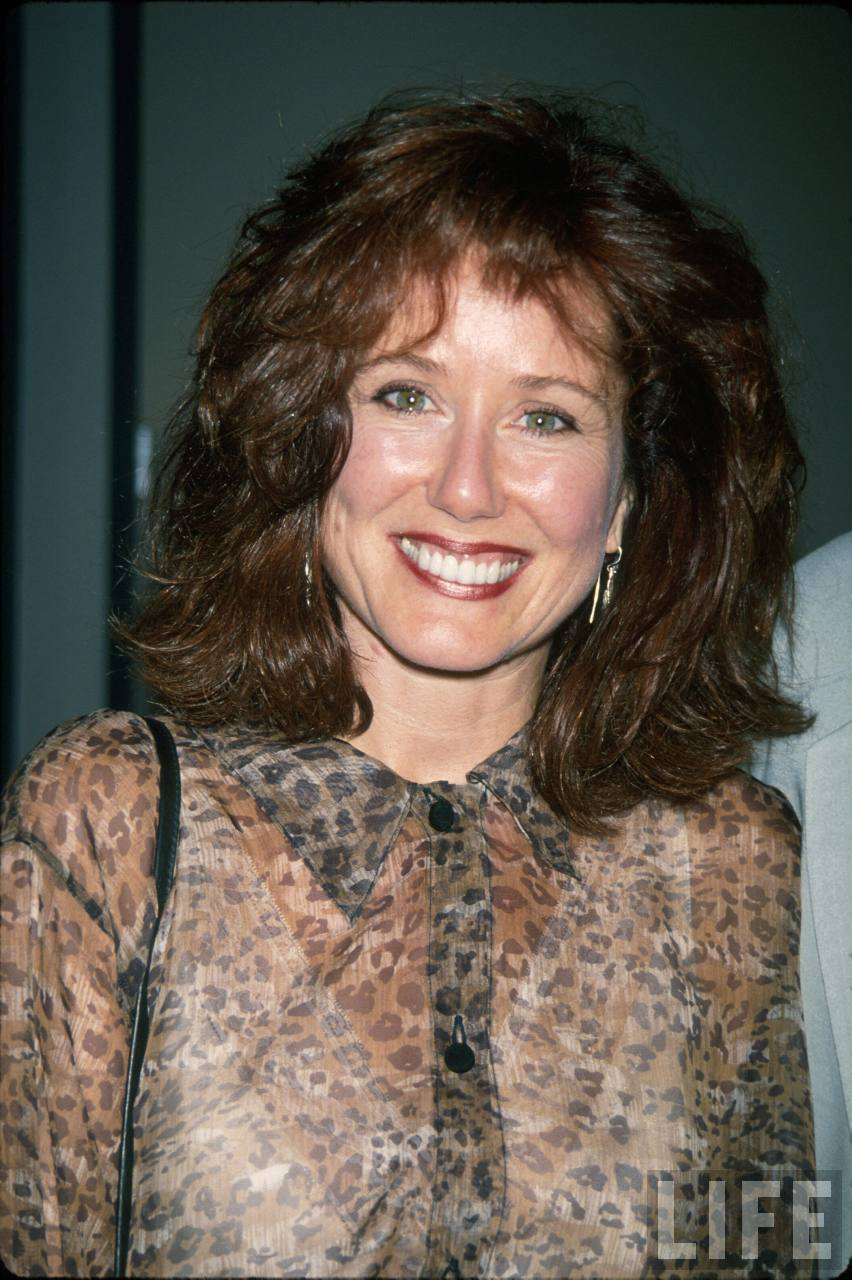 mary mcdonnell topless