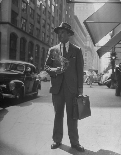 Businessman en costume (LIFE Photo Archive)