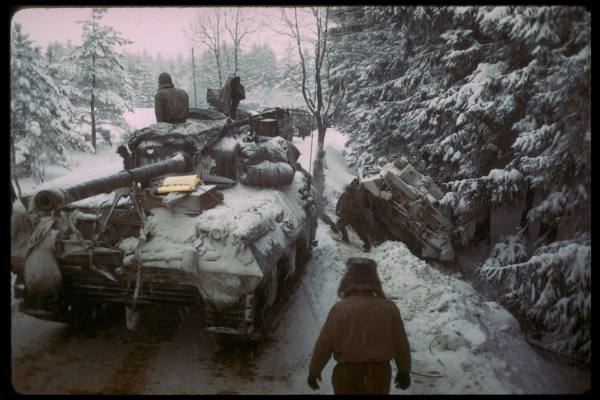 [Campagne des Ardennes] Battle Of The Bulge - George Silk 373621cbd2e9f186_landing