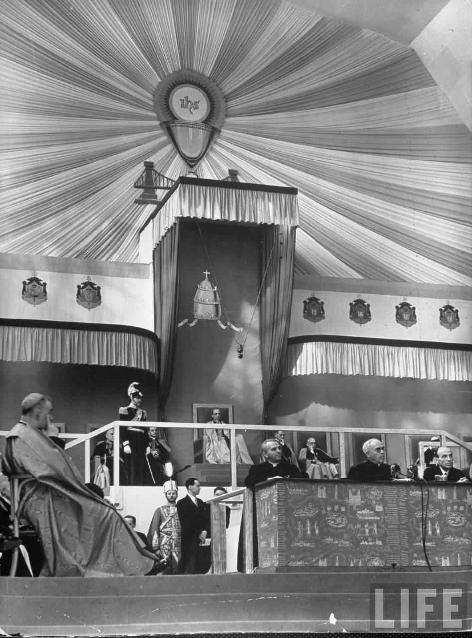El Papa Pio XII, un Titere Jesuita!   3ced5e003e5bdbb7_large