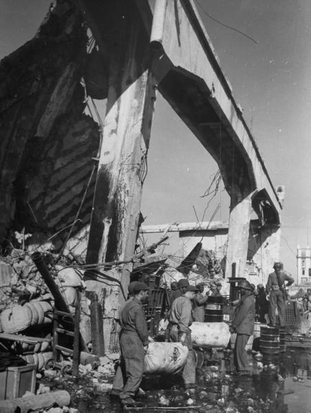 """[Campagne d'Italie] Naples 1943 """"Supply & Water"""" 433ca73b6336a10f_landing"""