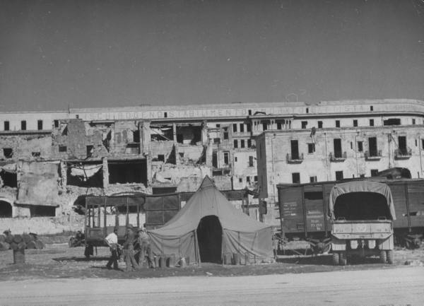 [Campagne d'Italie] US Army In Naples 4cb56319d75b3687_landing