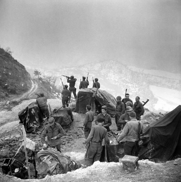 [Campagne d'Italie] IV Army 1944-1945  509e1e3c998c939f_landing
