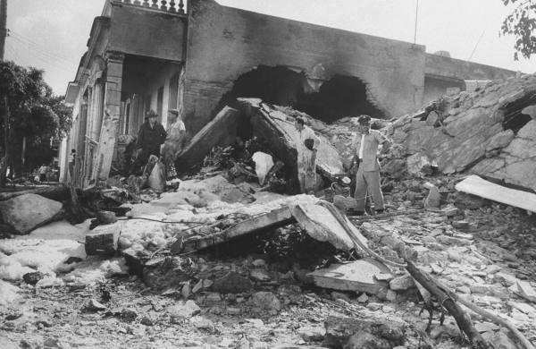 Rebel bombing of gas main, Havana 1958
