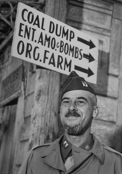 [Campagne d'Italie] US Army In Naples 5e5bda459931e4a2_landing