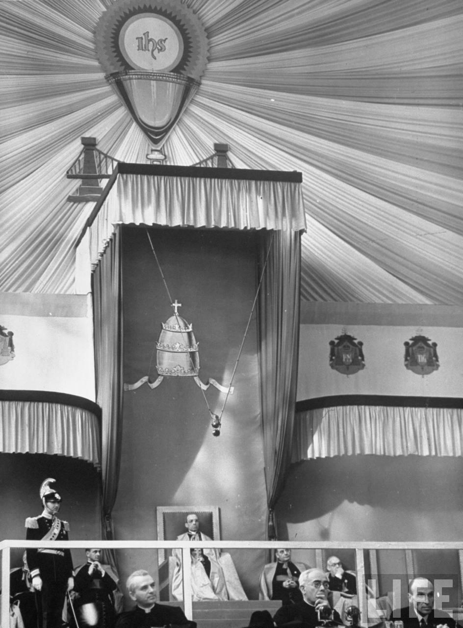 El Papa Pio XII, un Titere Jesuita!   61ef09ab3d516d39_large