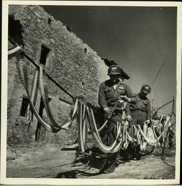 [Campagne d'Italie] IV Army 1944-1945  66cc6b14404bb9ac_landing