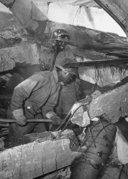 "[Campagne d'Italie] Naples 1943 ""Supply & Water"" 82c9d67e155c1550_landing"