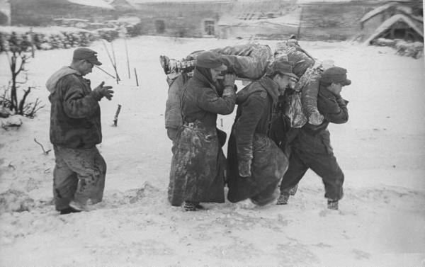[Campagne des Ardennes] Battle Of The Bulge - George Silk 85901f39af63e94a_landing