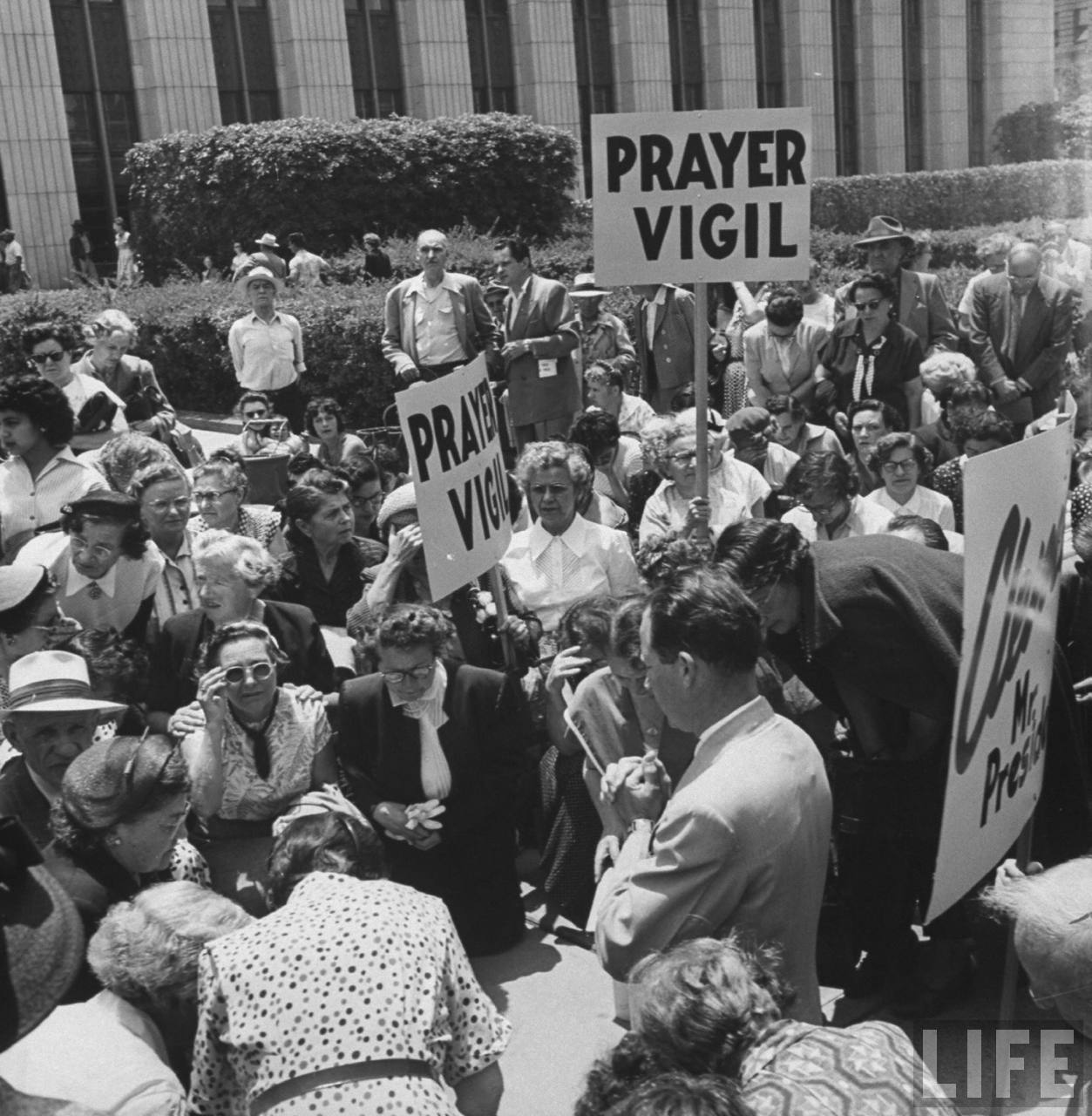 Vigilia por el matrimonio Rosenberg, en Los Ángeles (California).