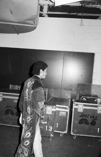 Raridades: Somente fotos RARAS de Michael Jackson. - Página 3 9bd44ee6aca76adc_landing