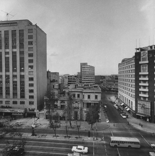 El Paseo de la Reforma y Chapultepec B195be53ab3ef3b4_landing
