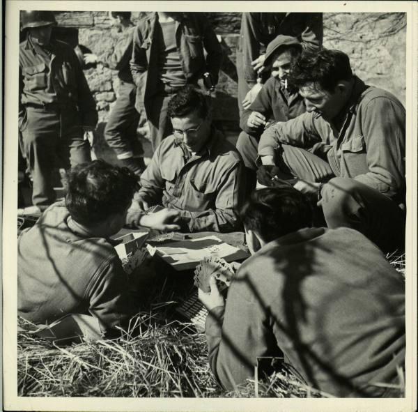 [Campagne d'Italie] IV Army 1944-1945  B6d89052960674e7_landing