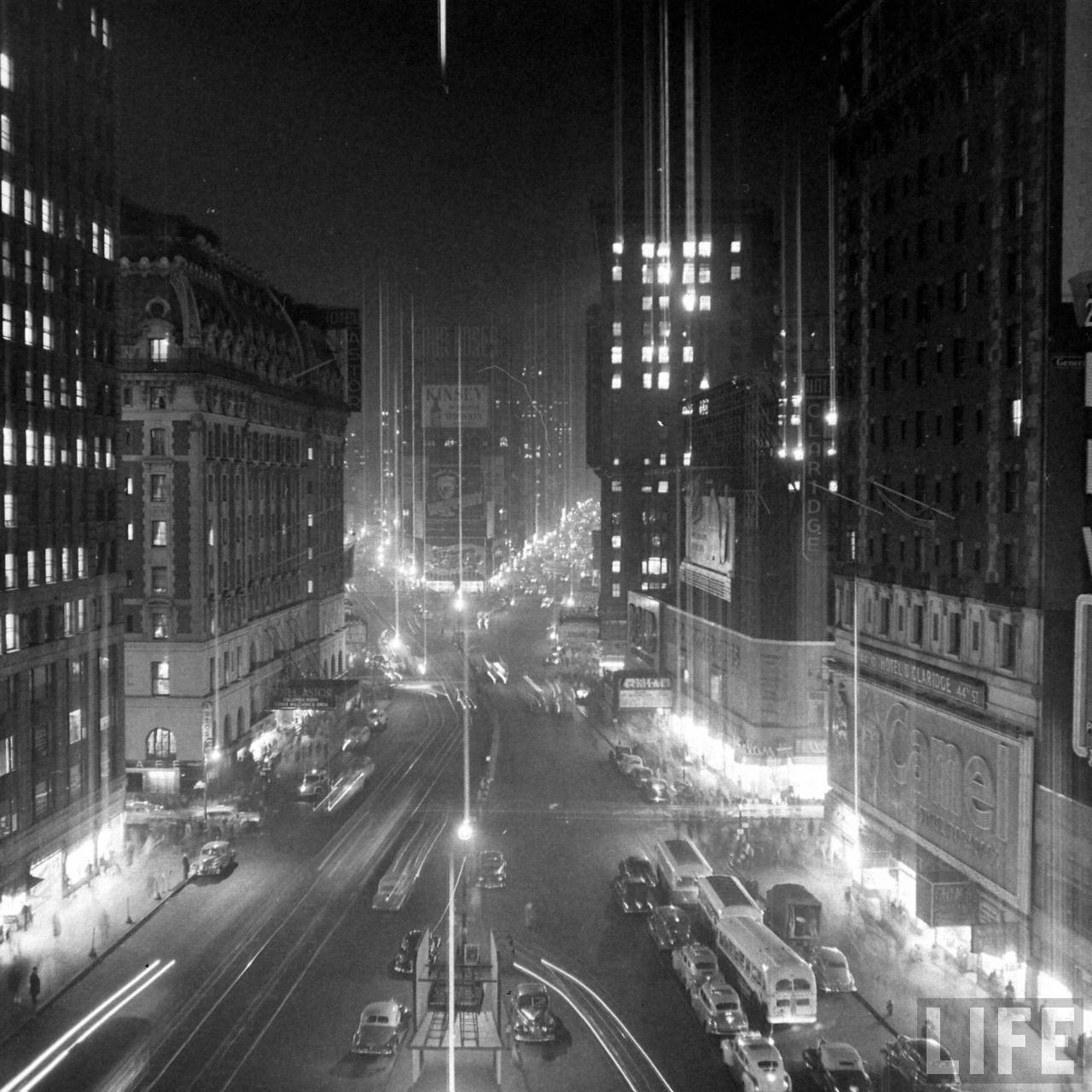 Brownout Time Square.November 1946.© Time Inc.Herbert Gehr - See more at: http://kcmeesha.com/2011/11/29/old-photos-times-square-through-the-years/#sthash.ru9W0F9h.dpuf