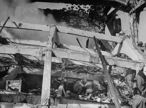 "[Campagne d'Italie] Naples 1943 ""Supply & Water"" D58e7904d118957e_landing"
