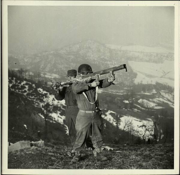 [Campagne d'Italie] IV Army 1944-1945  F620f5069744e1fb_landing