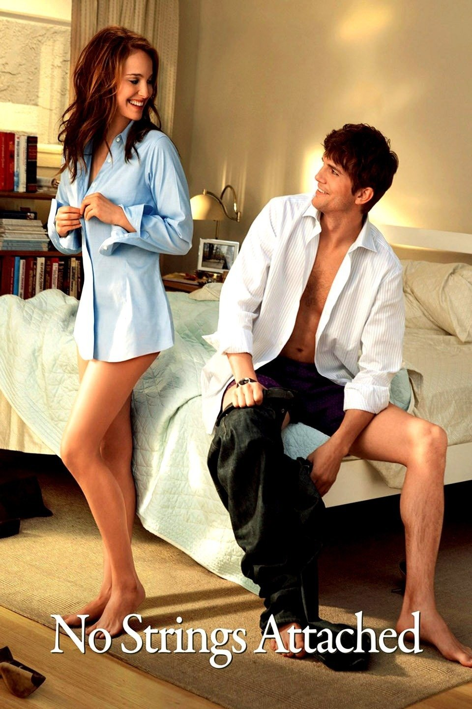 No Strings Attached 2011 Full Movie Download BluRay 480p 400MB And 720p 750MB
